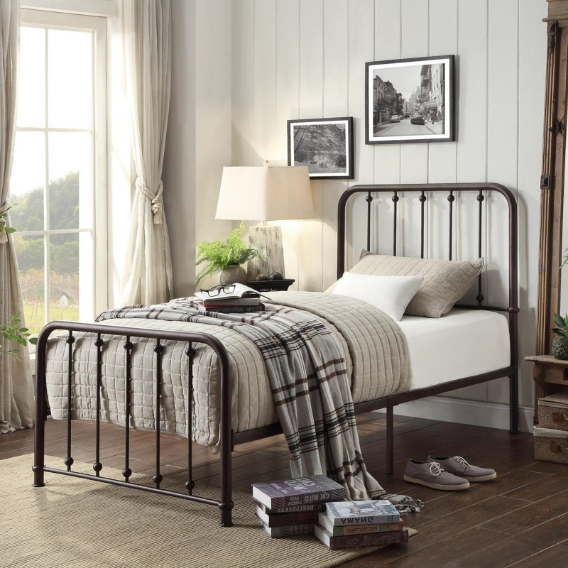 Larkspur Collection's Metal Platform Bed