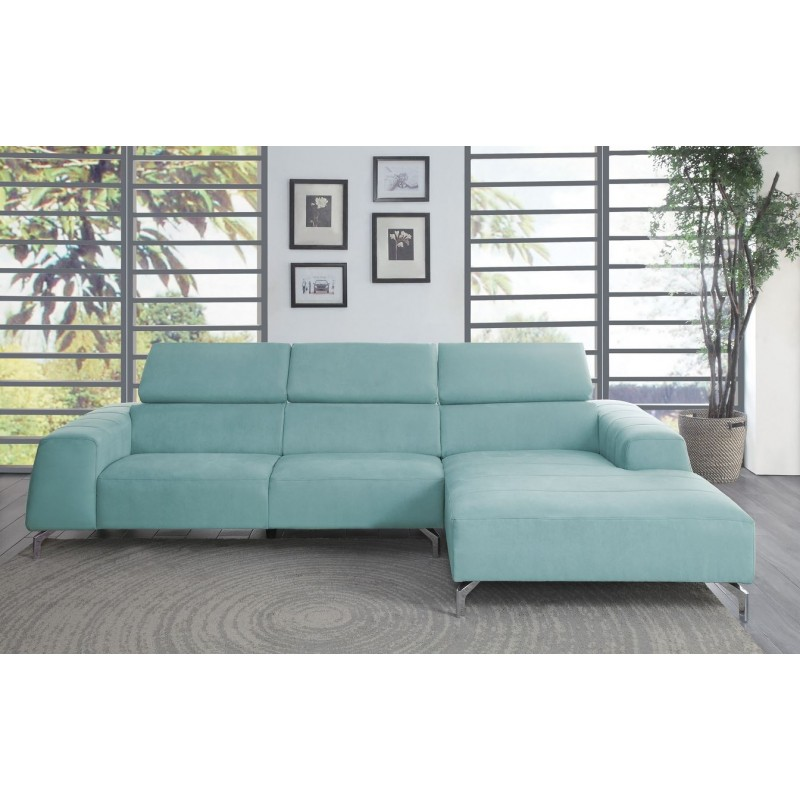 Sectional With Adjustable Headrest